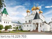 Купить «Ипатьевский монастырь. Кострома», фото № 6229703, снято 25 июля 2014 г. (c) Наталья Волкова / Фотобанк Лори