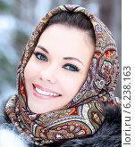Купить «Pretty woman posing outdoors», фото № 6238163, снято 30 марта 2014 г. (c) Nobilior / Фотобанк Лори