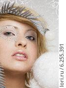 Portrait of a winter girl. Стоковое фото, агентство BE&W Photo / Фотобанк Лори