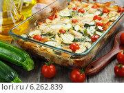 Купить «Запеканка из кабачков с курицей и помидорами черри в форме для запекания», фото № 6262839, снято 7 августа 2014 г. (c) Надежда Мишкова / Фотобанк Лори