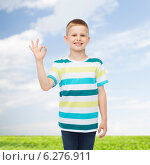 Купить «little boy in casual clothes making OK gesture», фото № 6276911, снято 3 июня 2014 г. (c) Syda Productions / Фотобанк Лори