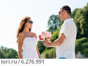 Купить «smiling couple in city», фото № 6276991, снято 23 июля 2014 г. (c) Syda Productions / Фотобанк Лори