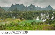 Купить «Красивый водопад в Китае, таймлапс», видеоролик № 6277539, снято 7 августа 2014 г. (c) Кирилл Трифонов / Фотобанк Лори