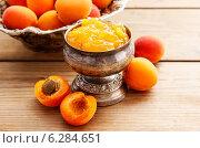 Купить «Bowl of apricot jam. Healthy food», фото № 6284651, снято 18 июня 2019 г. (c) BE&W Photo / Фотобанк Лори