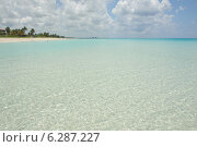 Купить «Карибское море. Варадеро», фото № 6287227, снято 10 июня 2014 г. (c) Александр Овчинников / Фотобанк Лори
