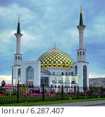 """Купить «Мечеть """"Мунира"""" в городе Кемерово. Сумерки», фото № 6287407, снято 15 августа 2014 г. (c) Цибаев Алексей / Фотобанк Лори"""