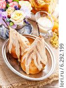 Купить «Pears with caramel. Festive and party dessert», фото № 6292199, снято 20 сентября 2018 г. (c) BE&W Photo / Фотобанк Лори
