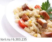 Макароны с мясом и овощами. Стоковое фото, фотограф Андрей Оршак / Фотобанк Лори