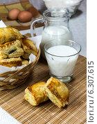 Купить «Слоенные пирожки. Греческая кухня», фото № 6307615, снято 27 июня 2014 г. (c) Татьяна Ляпи / Фотобанк Лори