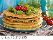 Купить «Слоеный торт с цукини», фото № 6313995, снято 12 июля 2014 г. (c) Елена Веселова / Фотобанк Лори