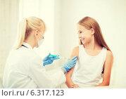 Купить «doctor doing vaccine to child in hospital», фото № 6317123, снято 7 августа 2013 г. (c) Syda Productions / Фотобанк Лори