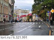 Улица Покровка, Москва, эксклюзивное фото № 6321991, снято 25 августа 2014 г. (c) lana1501 / Фотобанк Лори