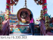 Очищение кармы в китайском храме (2013 год). Стоковое фото, фотограф Павлова Дарья / Фотобанк Лори