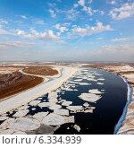 Купить «Река Обь во время ледохода», фото № 6334939, снято 6 декабря 2013 г. (c) Владимир Мельников / Фотобанк Лори