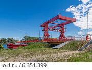 Купить «Мост через пролив Dzivna, Польша», фото № 6351399, снято 12 августа 2013 г. (c) Андрей Андронов / Фотобанк Лори