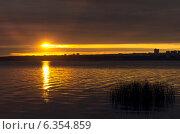 Купить «Рассвет», фото № 6354859, снято 3 сентября 2014 г. (c) Зудин Виталий Владимирович / Фотобанк Лори