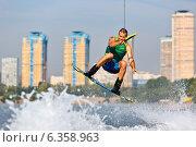Купить «Вейкборд в Строгине», фото № 6358963, снято 1 августа 2014 г. (c) Катерина Вахе / Фотобанк Лори