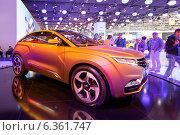 Купить «Lada Xray Concept. Московский международный автомобильный салон 2014», эксклюзивное фото № 6361747, снято 29 августа 2014 г. (c) Сергей Лаврентьев / Фотобанк Лори