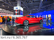 Купить «Ford Mustang. Московский международный автомобильный салон 2014», эксклюзивное фото № 6365767, снято 29 августа 2014 г. (c) Сергей Лаврентьев / Фотобанк Лори