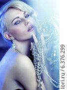 Купить «Stunning blonde beautiful girl with jewelary», фото № 6376299, снято 12 декабря 2018 г. (c) Ingram Publishing / Фотобанк Лори
