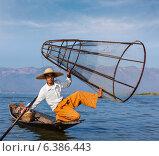 Бирмский рыбак на озере Инле, Мьянма. Стоковое фото, фотограф Дмитрий Рухленко / Фотобанк Лори