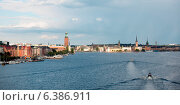 Купить «Boats moving in the bay with buildings in the background, Stockholm Town Hall, Riddarfjarden, Stockholm, Sweden», фото № 6386911, снято 7 декабря 2019 г. (c) Ingram Publishing / Фотобанк Лори