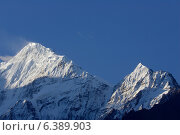 A view of Nilgiri and Tilicho peaks. Стоковое фото, агентство Ingram Publishing / Фотобанк Лори