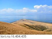 Купить «Армения, озеро Севан. вид с горы», фото № 6404435, снято 10 сентября 2014 г. (c) Овчинникова Ирина / Фотобанк Лори