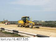 Строительство автомобильной дороги (2013 год). Редакционное фото, фотограф Александр Антонников / Фотобанк Лори