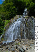 Купить «Горный водопад», фото № 6410143, снято 20 августа 2014 г. (c) Владимир Николаев / Фотобанк Лори