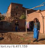 People at fortress, Ait Benhaddou, Ouarzazate, Souss-Massa-Draa, Morocco (2012 год). Редакционное фото, агентство Ingram Publishing / Фотобанк Лори