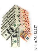 Купить «Стрелка из купюр евро и долларов на белом фоне», фото № 6412327, снято 15 ноября 2012 г. (c) Андрей Бурдюков / Фотобанк Лори