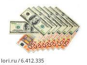 Купить «Стрелка из купюр евро и долларов на белом фоне», фото № 6412335, снято 15 ноября 2012 г. (c) Андрей Бурдюков / Фотобанк Лори