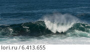 Wave breaking on the beach, Cape Spear, St. John's, Newfoundland And Labrador, Canada (2013 год). Стоковое фото, агентство Ingram Publishing / Фотобанк Лори