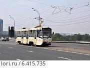 Купить «Трамвай 71-619А следует по Строгинскому мосту по маршруту № 10», эксклюзивное фото № 6415735, снято 7 августа 2012 г. (c) Дмитрий Абушкин / Фотобанк Лори