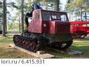 Купить «Трелевочный трактор ТТ-4 Алтайского тракторного завода», фото № 6415931, снято 14 декабря 2019 г. (c) Виктор Карасев / Фотобанк Лори
