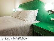 Купить «Modern hotel room interior», фото № 6420007, снято 20 ноября 2013 г. (c) Elnur / Фотобанк Лори