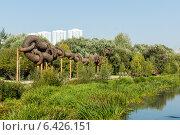 Архитектурное сооружение в пойме реки Яуза (2014 год). Редакционное фото, фотограф Александр Антонников / Фотобанк Лори