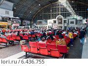 Bangkok, Thailand, waiting hall of the Hua Lamphong Station (2009 год). Редакционное фото, агентство Caro Photoagency / Фотобанк Лори