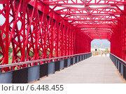 Footbridge over Ebre in Tortosa, Spain (2014 год). Редакционное фото, фотограф Яков Филимонов / Фотобанк Лори
