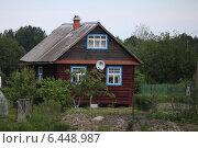 Деревенский дом в Ленобласти (2014 год). Редакционное фото, фотограф Анна Сапрыкина / Фотобанк Лори