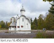 Купить «Церковь в Орлецах (Псков)», фото № 6450655, снято 28 сентября 2014 г. (c) Валентина Троль / Фотобанк Лори