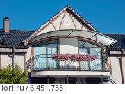Купить «Красивый балкон», эксклюзивное фото № 6451735, снято 26 сентября 2014 г. (c) Svet / Фотобанк Лори