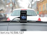 Купить «Видеорегистратор автомобильный gmini magiceye HD300 в работе», фото № 6506127, снято 31 января 2013 г. (c) Олег Пчелов / Фотобанк Лори