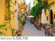 Улица в греческом городе (2013 год). Стоковое фото, фотограф Мартынец Александр / Фотобанк Лори