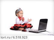 Купить «Ребенок  за компьютером», фото № 6518923, снято 28 декабря 2011 г. (c) Наталья / Фотобанк Лори