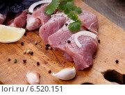Мясо сырое. Стоковое фото, фотограф Андрей Оршак / Фотобанк Лори