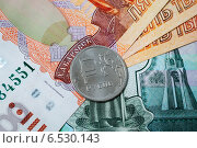 Рубль. Стоковое фото, фотограф Корнева Юлия / Фотобанк Лори
