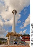 Купить «Пусанская башня в парке Yongdusan в Пусане, Южная Корея», фото № 6534215, снято 25 сентября 2014 г. (c) Иван Марчук / Фотобанк Лори