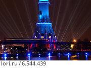 Купить «Круг света в Останкино», фото № 6544439, снято 14 октября 2014 г. (c) Павел Москаленко / Фотобанк Лори